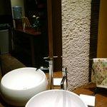 Stylish and Modern Bathroom Facilities