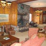 Kandahar Lodge lobby