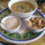 Zuppa del giorno con crostini