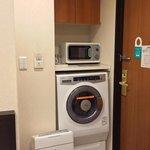 乾燥洗濯機と電子レンジ