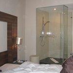 doccia nella stanza