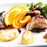 Duck breast with berry sauce & orange slices (by Entre Aromas)