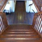 L'escalier magnifique d'un des bateaux de la CGN