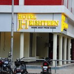 Hotel JH E18hteen & ZO Rooms