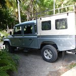 Luxury SUV transport from El Sano Bano to Ylang Ylang