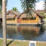 Flaoting Room & Artifical lake