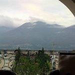Amplio balcón mirando a los Alpes Suizos
