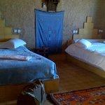 chambre spacieuse, joliment décorée