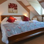Crow's Nest with super king size bed with en suite bath and shower