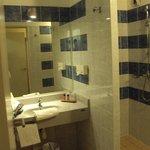 Baño de doble estándar.