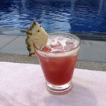 What else than Singapore Sling by the pool : P