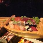 La barca di sushi misto
