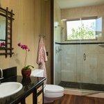 The Ginger Room bathroom