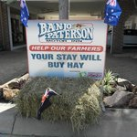 "We support our Aussie farmers. ""Stay with us before we all Starve"""