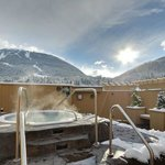 Roof Top Hot Tub for all guests