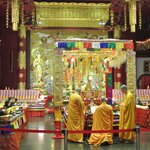 Services being held - Buddha Tooth Temple