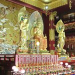 Beautiful altar - Buddha Tooth Temple