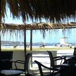vista de la playa desde el comedor