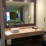 vanity mirror and wash basin
