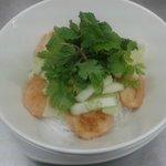 Chao Tom Bun, Prawn balls, rice vermicelli, spring onion, lettuce, cucumber, coriander, mint