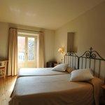 habitación vista jardín de dos camas