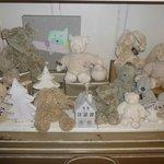 vitrine ours en peluche salle a manger