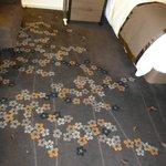 部屋のカーペットも桜です.