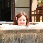 la piscina privata della water edge villa