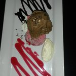 The Triple Ice Cream platter - absolutely smashing!