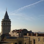 Утренний вид с балкона на Галатскую башню