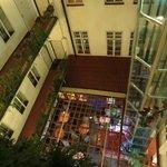 лифт и внутренний двор