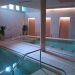 piscina con idromassaggi
