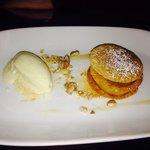 Apple Crisp Dessert.
