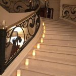 """Escadas e """"candles"""" todas as noites"""
