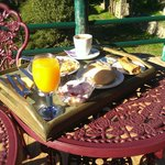 Breakfast with fresh orange juice!!
