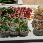 nice uramaki (though called maki in menu)