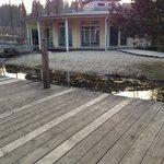 Blick aus der Lodge auf den Wellness-Pavillon