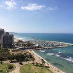 Ausblick von der Executive Lounge auf den Strand