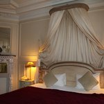 Schitterende slaapkamer met hemelbed