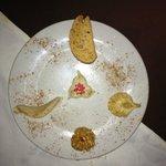 une dégustation de desserts marocains