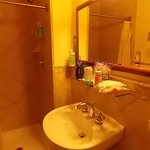 cabin 6179 tiled bathroom