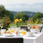 GUT EDERMANN / Frühstück mit Bergpanorama