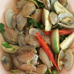 Baby clams w basil leaves