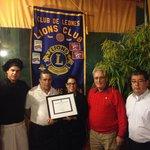 Homenaje del club de leones
