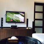 Tv area. Equipped with LG smart tv. Remember to bring cables to connect to your tablet- Onxy sty