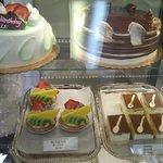 Custom cakes & Tiramisu