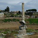 La colonne du site d' Artemision