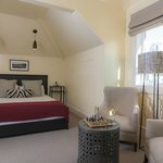 Vintners Cottage Deluxe King Spa Guestroom