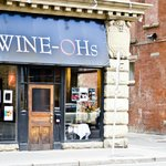 Front of Wine-Ohs Bistro