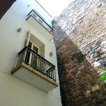 Los 4 Tulipanes Courtyard & Balconies